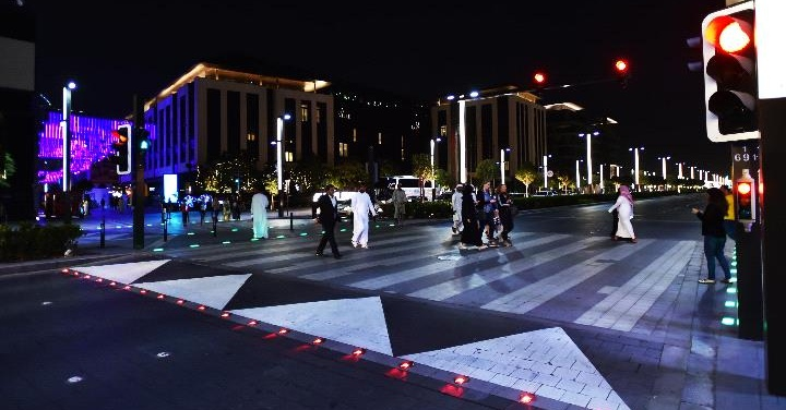 dubai smart pedestrian signals
