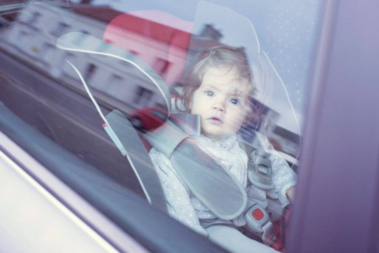 UAE fine Dhs 1 million children left leaving in car parents