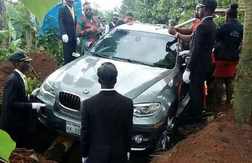 BMW Indian lad River push