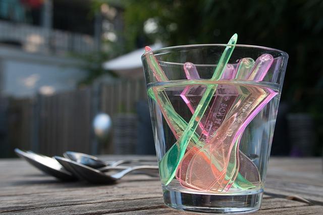 Zomato cutlery plastic excess Dubai