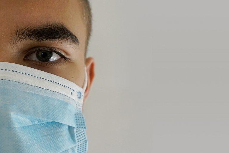 Sharjah residents forget wallets but remember face masks