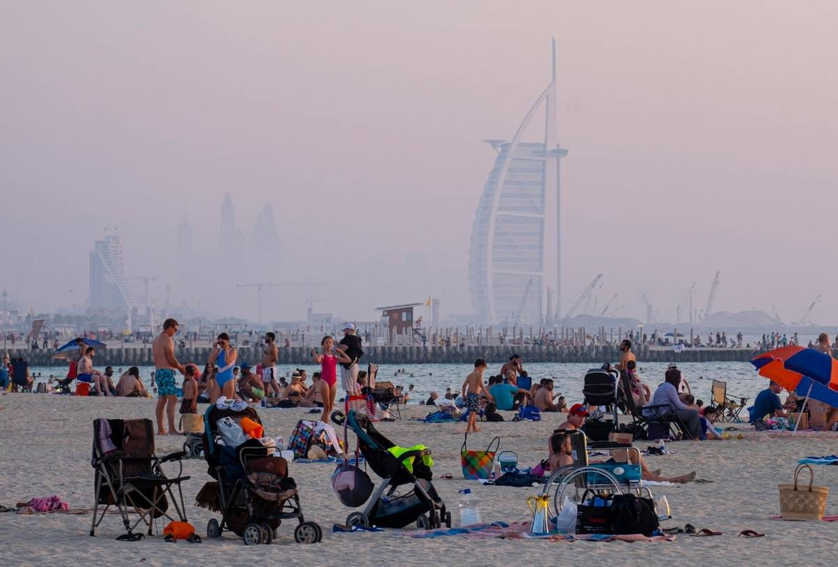 Over 100 sunbathers fined for breaching mask and social distancing rules