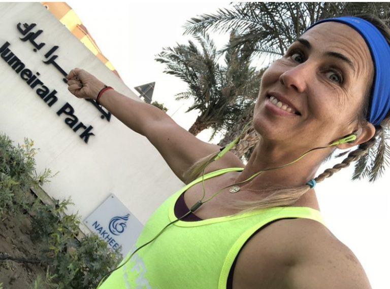 Marathon runner takes to the streets of Dubai