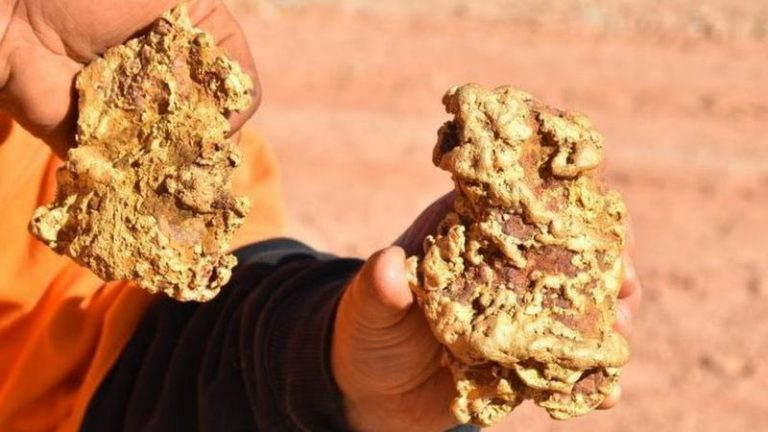Two huge nuggets of gold found in Australia