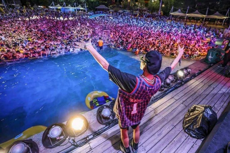 Wuhan returns to normal with pool parties
