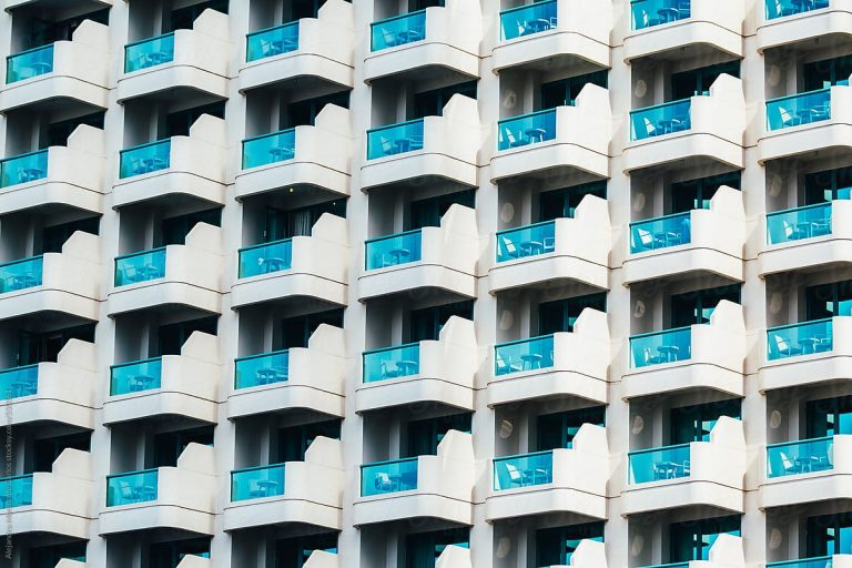 You can now be fined AED500 for hanging washing on your balcony in Dubai