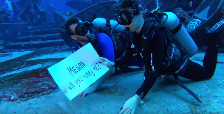 This DubaiLAD nails his underwater marriage proposal in Dubai