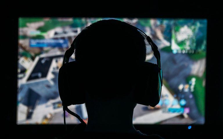 Live the dream and become a professional gamer with Dubai EStars