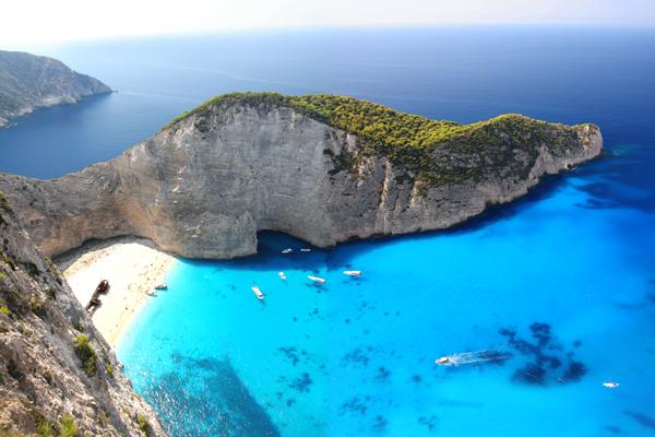 Travel corridor opens between UAE and Greece