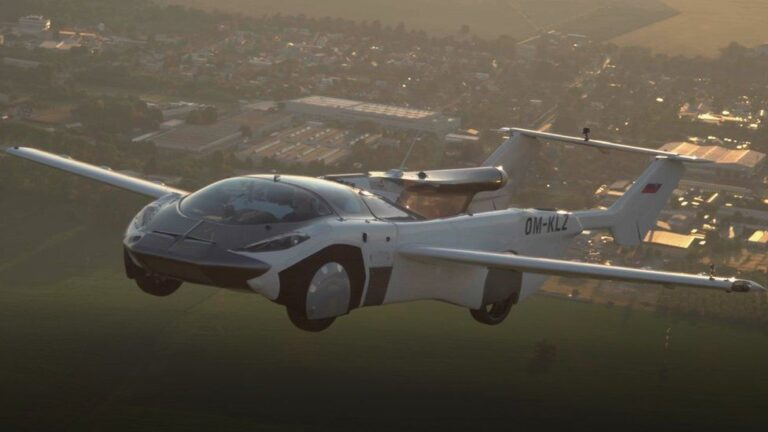 Flying car takes 35-minute flight between airports