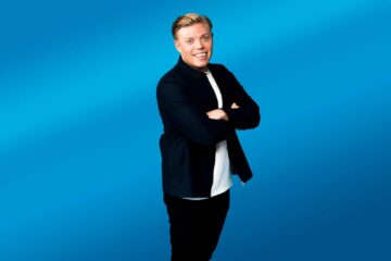 Win a pair of tickets to see Rob Beckett